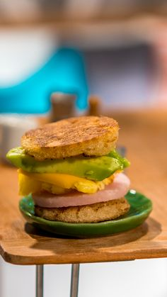 Tiny Breakfast Sandwich - Breakfast sandwiches are beautifully delicious in any size. Cute Food, Yummy Food, Tastemade Recipes, Tiny Cooking, Barbie Food, Taste Made, Edible Food, Chicken And Waffles, Tiny Food