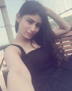 Mouni roy hot and cute image.
