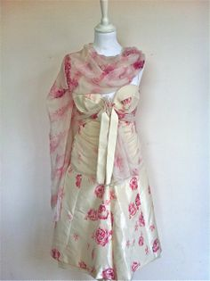 Giambattista Valli White and Pink Floral Silk Top, Skirt and Stole via The Queen Bee. Click on the image to see more!