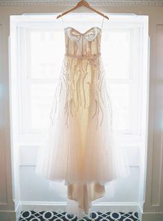 Gorgeous gown: http://www.stylemepretty.com/2015/04/21/modern-dc-art-gallery-wedding/ | Photography: Vicki Grafton - http://www.vickigraftonphotography.com/