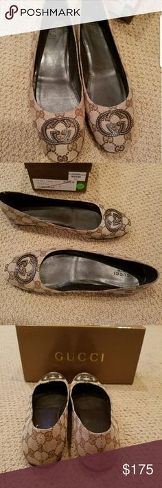 31921bac8a4 Gucci flats Signature Gucci flats in great condition. Size 41 Gucci Shoes  Flats   Loafers
