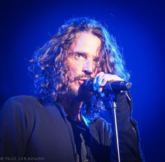 """""""Me @ last nights curiously the only one with grooming choices that evoke the Century south"""" Chris Cornell, Say Hello To Heaven, Shadow King, Temple Of The Dog, Beat Generation, Smiling Man, Beautiful Voice, Pearl Jam, Gorgeous Men"""