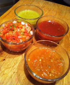 Salsa Ranchera recipe is made with main ingredients: Chile Serrano, tomato, onion, garlic and salt. It's the ratio of ingredients that makes it delicious!