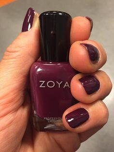 Klaar voor de herfst met Tara van Zoya by beyuna (uit de Urban Grunge Creme set).  Zoya nail polish staat bekend als de 'BIG5 Free': géén tolueen, kamfer, formaldehyde, formaldehydeharsen of dibutylftalaat in zit. De focus van Zoya is gericht op gezondheid en welbevinden.  Laat je volop inspireren door deze gezonde uitgangspunten én door de modekleuren van dit seizoen. Dankzij Zoya geniet je onbezorgd van het leven én van de nieuwste modetrends!