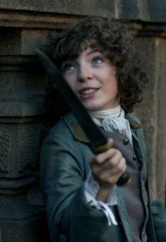 Fergus, S2, ''La Dame Blanche''. Je ne trouve pas le jeu de l'acteur très convaincant. Je suis déçue car j'adore le personnage dans les livres.