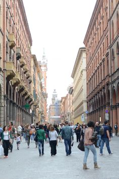 Via dell' Indipendenza during the week-end in #Bologna