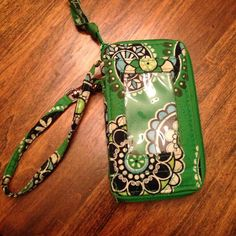 Vera Bradley wristlet Cupcakes green pattern wristlet with cell phone holder Vera Bradley Bags Clutches & Wristlets