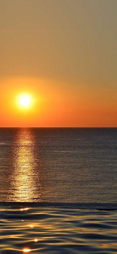 Sunset sea sky iPhone X wallpaper Iphone Wallpapers, Sunset Iphone Wallpaper, Nature Wallpaper, Wallpaper Backgrounds, Beach Wallpaper, Sunset Sea, Sky Sea, Wallpaper Telephone, Photo Polaroid
