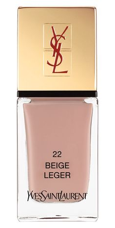 Crushing on this gorgeous neutral nail color that pairs easily with the #ootd.