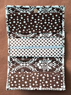 Easy-to-Make Wallet craft, easytomak wallet, sewing pouch tutorial, easy sewing purse, travel accessories, sewing ideas and tutorials, diy totes and bags, sewing tutorials, pattern sewing wallets