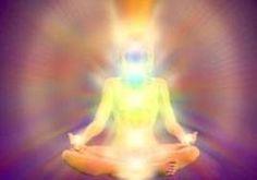Share: Il nostro corpo emana un campo elettromagnetico chiamatoaura… una sorta di vibrazione, proprio come una stazione radio o radiotelevisiva emette le sue onde. Ci sono molti modi di comunicare, ad esempio attraverso: – le parole (comunicazioneverbale) – il tono della voce (comunicazioneparaverbale) – gli occhi, il linguaggio del corpo e delle mani (comunicazionenon verbale)Ma si può comunicare ad un …