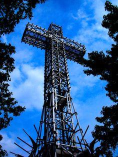 Mount-Royal's holy cross