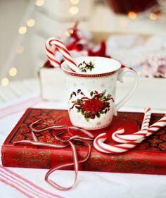Pre-christmas coffee & reading…