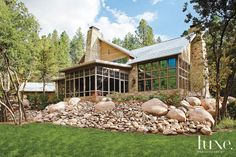 Western Romance: Smitten With a Scenic Property