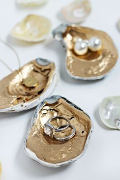 DIY: GIlded Oyster Shells