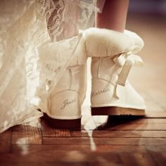 Weddbook ♥ Would you wear ugg boots at your wedding? This just married uggs are ideal for winter weddings. Winter Wedding Shoes, Wedding Boots, Winter Weddings, Winter Bride, Bride Boots, Summer Wedding, Outdoor Winter Wedding, November Wedding, Trendy Wedding
