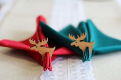 Servietten Ringe für Weihnachten, Mit diesen Rehntieren setzt du deine Servietten in Szene, aus Eiche gefertigt / napkin rings for christmas, with these raindeers your napkins will look great, made of oak by withoutrecipe via DaWanda.com