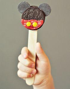 cómo organizar un cumpleaños de mickey mouse en casa