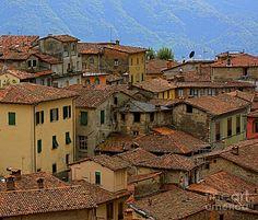 Terra-cotta Roofs Barga Vecchia Italy * Nicola Fiscarelli