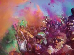 Exploding colors at the 2014 Sydney Color Run. Photo by Matthew Burke.