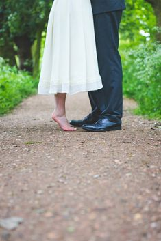 Wedding, Photography, Short Bride, Tall Groom, Wood, Forest, Photo shoot, Gypsophila, Baby's Breath