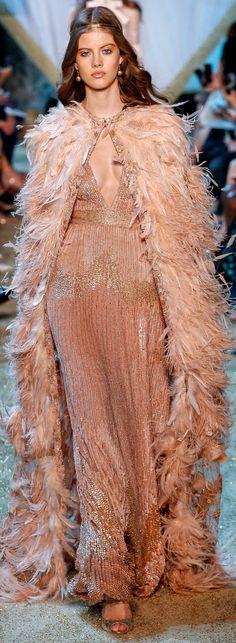 Elie Saab Fall 2017 Couture Fashion Show Ellie Saab, Fashion Moda, Fashion 2017, Runway Fashion, Fall Fashion, Elie Saab Couture, Style Couture, Couture Fashion, Couture Details