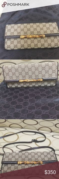 Gucci Crossbody Bag Gucci GG Canvas Bag, in excellent condition comes with  Dustbag 100% Authentic Gucci Bags Crossbody Bags