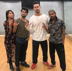 Tiger Shroff and Team Disha Patni, White Smile, Tiger Shroff, Wifi Router, Dance Moves, My Crush, Best Actor, Tigers, Besties