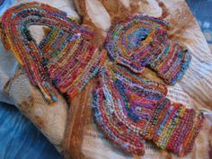 Tanglewood Threads: wrapping scraps...can't get enough of this blog.