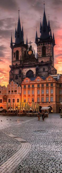 Prague, Czech Republic http://mundodeviagens.com/ - Existem muitas maneiras de ver o Mundo. O Blog Mundo de Viagens recomenda... TODAS!
