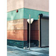 Photographer Spotlight: Vishal Marapon - Home Design - Diy Hair Salon Interior, Salon Interior Design, Salon Design, Color Interior, Home Design Diy, Interior Architecture, Interior And Exterior, Wall Exterior, Nude Colors