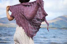 Fantoosh! Shawl pattern by Kate Davies. Queued!