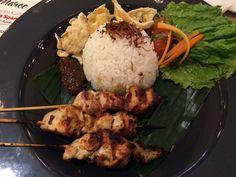 """Masakan Padang Di """"Tangan Emas"""" Chef Asal Spanyol http://www.perutgendut.com/read/masakan-padang-di-tangan-emas-chef-asal-spanyol/3114 #Food #Kuliner #Indonesia"""