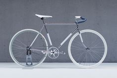 love this white bike! but not as much as my white bike.... ;-)