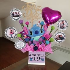 Candy Bouquet Diy, Food Bouquet, Diy Bouquet, Personalised Gifts Diy, Food Gift Baskets, Diy Food Gifts, Stitch And Angel, Persol, Gift Hampers