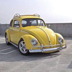 Yellow Car, Mellow Yellow, Vw Bugs, Carros Retro, Vw Beetle Convertible, Vw Vintage, Ferdinand Porsche, Best Classic Cars, Cute Cars