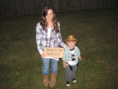 Lori and Carl from The Walking Dead    Go vote for us!    http://pinterest.com/usmclife/cutest-kid-halloween-costume-contest/