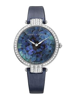 """La montre """"Premier Feathers"""" d'Harry Winston http://www.vogue.fr/joaillerie/le-bijou-du-jour/diaporama/la-montre-premier-feathers-d-harry-winston/10337#!la-montre-quot-premier-feathers-quot-d-039-harry-winston"""