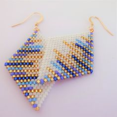 Diy bead jewellery makingYou can find Peyote stitch and more on our website. Diy bead jewellery making Bead Jewellery, Seed Bead Jewelry, Seed Bead Earrings, Diy Earrings, Jewellery Making, Diamond Earrings, Peyote Bracelet, Pendant Earrings, Bead Loom Patterns