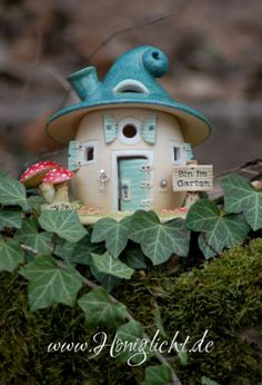 www.honiglicht.de Bin im Garten! Fairy Garden Houses, Gnome Garden, Ceramic Clay, Ceramic Pottery, Recycled Furniture, Cottage Homes, Clay Art, Diy And Crafts, Recycling