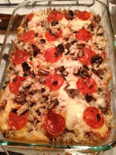 Gluten Free Pizza Casserole no pepperoni, add mushrooms and peppers and onions, chopped zucchini Gluten Free Casserole, Pizza Casserole, Gluten Free Pizza, Gluten Free Dinner, Gluten Free Cooking, Wheat Free Recipes, Gf Recipes, Dairy Free Recipes, Cooking Recipes