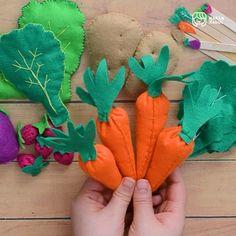 Felt Crafts Diy, Diy Arts And Crafts, Craft Gifts, Handmade Crafts, Crafts For Kids, Felt Food Patterns, Felt Animal Patterns, Baby Shower Deco, Diy Cat Toys