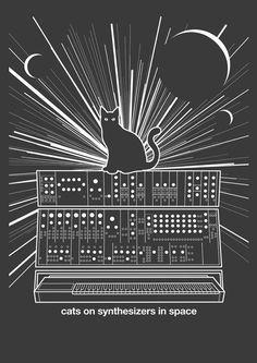 Katzen auf Synthesizer In Space grau T-Shirt von KieranHeather