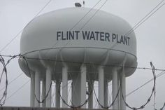 Governor Rick Snyder wants to testify before a federal oversight committee about the Flint water crisis.