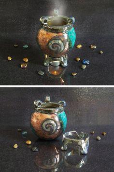 Raku magic cauldron burner essential oil diffuser. https://www.etsy.com/it/listing/266079290