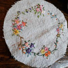 #Embroidery#stitch#needlework #프랑스자수#일산프랑스자수#자수#자수타그램#자수소품#핀쿠션 #휴일~심심풀이 핀쿠션 만들기~