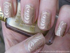 Golden Swirl Manicure