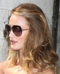 """Rosie Huntington-Whiteley - Rosie Huntington-Whiteley Leaving """"Live With Regis & Kelly"""""""