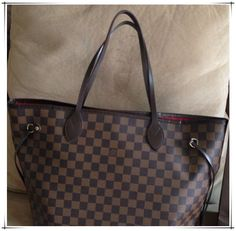 Neverfull Is The Best Choice To Send Your Friend As A Gift. Just $232.99!!!