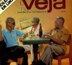 Ano passado, foi publicada uma antiga reportagem da Revista Veja, edição de 12 de fevereiro de 1975, no Blog Receita de Samba. Cartola, Ismael Silva e Mano Décio da Viola são os personagens que preenchem oito páginas da publicação.
